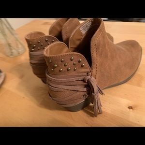 Brown suede booties 7.5